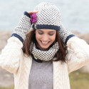 Kusan Ecru and Navy Blue Jacquard Effect Snood